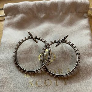 CUTE! Kendra Scott Hoop Earrings!